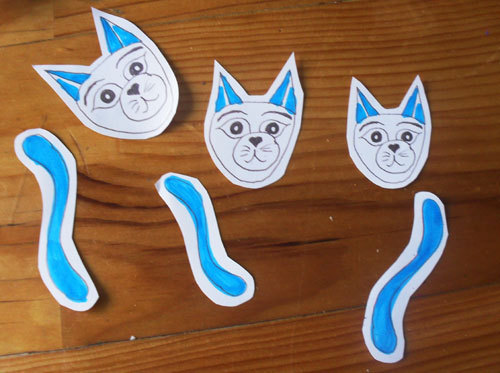 Cute Cardboard Tube Blue Cat Family