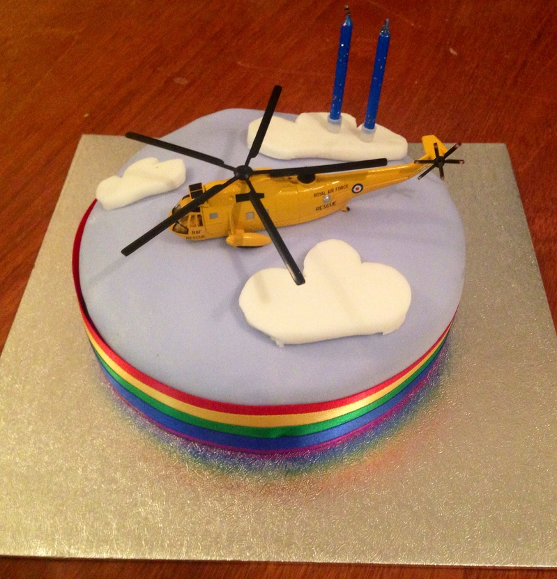 Helicopter cake, easy cake with fondant, beginners birthday cake, flight cake, 2 year old birthday cake idea
