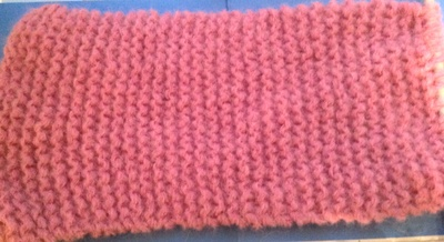 Knitting, cowl, pink, yarn