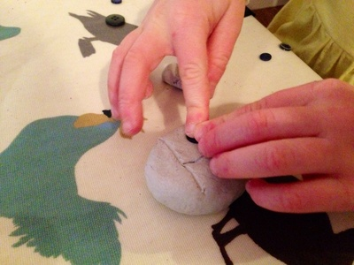 Making a ladybird out if clay, kids craft clay