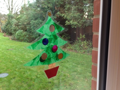 Window decoration, easy decoration, Christmas tree decoration, Xmas tree, kids craft Xmas tree, sticky back plastic tree
