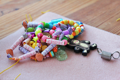 beaded bracelets, jewellery making for kids, kids jewellery making, kids bracelets, kids beaded bracelets
