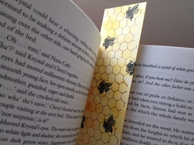 bee, honeycomb, bookmark, present, rubber stamp, distress ink, pigment ink, craft, kids