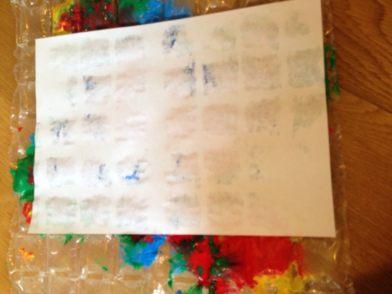 Bubble wrap prints, kids craft prints, kids messy prints, toddler art ideas
