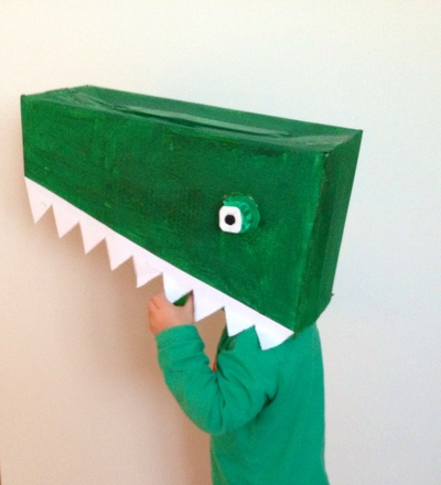 Crocodile head tutorial, how to make a crocodile costume, homemade crocodile costume, alligator costume, alligator fancy dress, alligator dress up