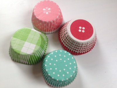 Cupcake liners, cupcake liner craft ideas, pretty cupcake liners, colourful cupcake liners, things to make out of cupcake liners