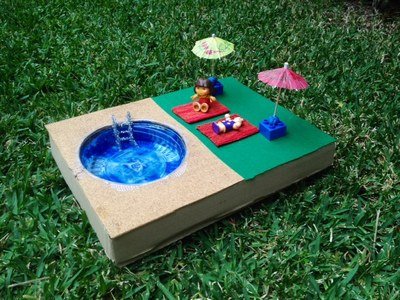 dolls swimming pool, how to make a swimming pool for dolls, DIY toy swimming pool, swimming pool craft, dolls swim pool tutorial, dolls holiday craft idea