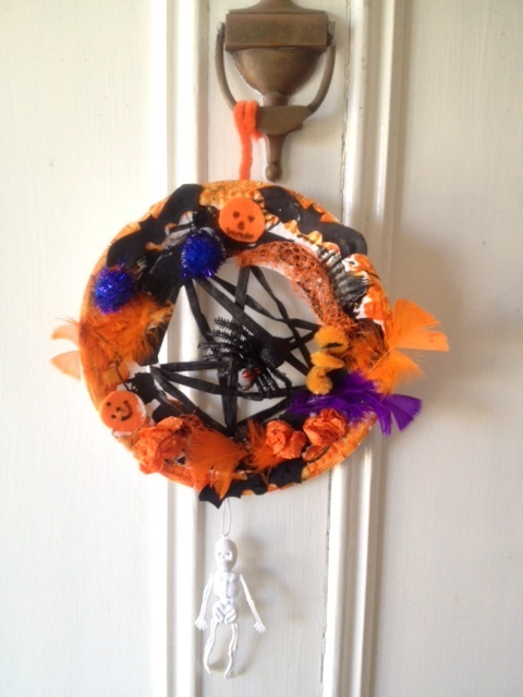 paper plate cut out, paper plate door wreath, paper plate door decoration, paper plate craft, paper plate kids craft idea  - Halloween Wreath Door Decoration
