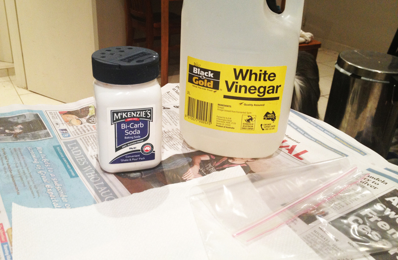 how to clean with vinegar and bicarb