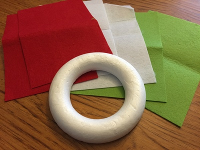 Polystyrene ring, Christmas wreath, red felt, green felt, white felt, craft materials