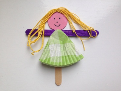 Popsicle stick puppet tutorial, cheap puppets, easy puppets for kids, preschooler puppets
