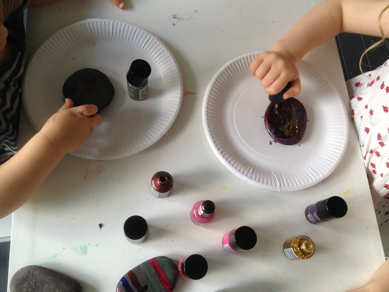 stones, nail varnish, painting stones with nail varnish, kids painting stones, preschooler craft stones