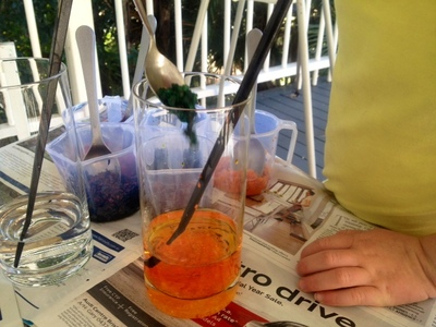 salt crystal colour mixing, kids colour mixing activity, kids messy play colour mixing activity
