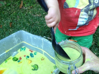 making goop, cornflour goop, cornflour water, messy play slime, summer messy play, cornstarch goo, how to make slime, goop tutorial
