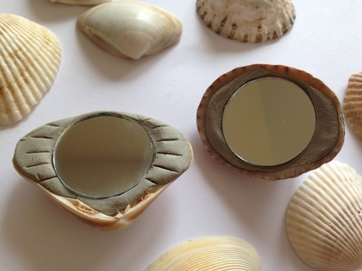 Shells, shell craft ideas, shell craft projects for kids, mermaid mirrors, shell mirrors, mermaid craft ideas