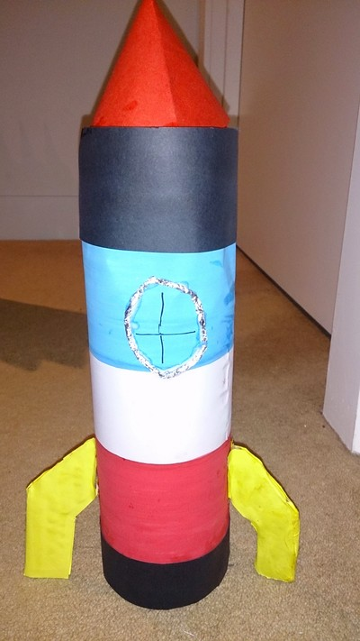 Recycled bottle rocket my kid craft for Easy recycled materials