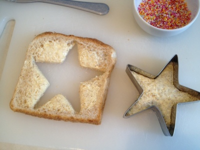 starfish cutter, cutting star shape out of bread, kids cookie cutter star, making starfish food, sea creatures food, party food for kids