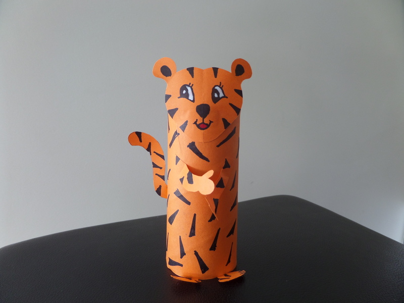 toilet roll tiger, toilet roll craft ideas for kids, cardboard tube tiger, jungle craft ideas, tiger