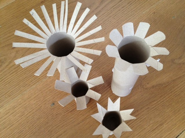 Toilet roll tube cardboard tube paint stamp pre school for Painting toilet paper rolls