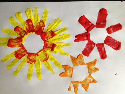 toilet roll tube, cardboard tube, paint, stamp, pre school, fun, art, design, flower, sun