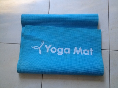 yoga mat, recycle yoga mat, recycle exercise mat, what to make out of foam mat, rubber mat, foam mat, upcycling