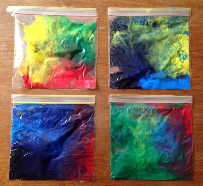 Zip lock bags and paint, rainy day craft idea, toddler craft no mess, preschooler craft no mess, squishy paint bags