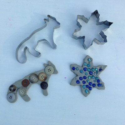 Bead clay shape, bead snowflake, clay snowflake, frozen craft ideas, beads in clay, cookie cutter clay shapes