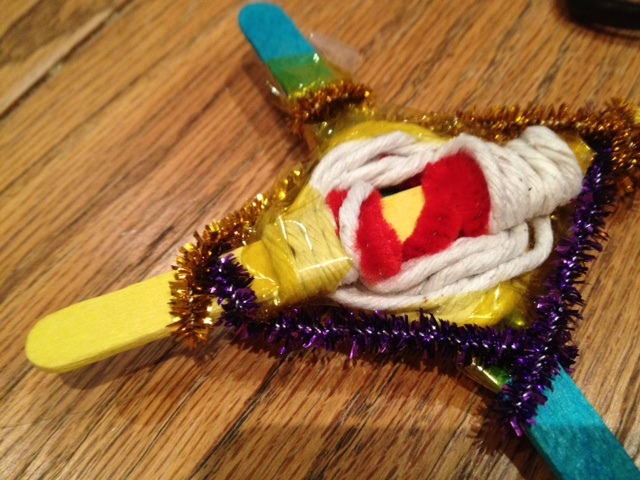 cheap kids craft weaving with popsicle lolly sticks and pipe cleaners  - Popsicle Stick Weaving