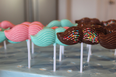 chocolate lollypops, chocolate pops, moustache pops, edible kids crafts