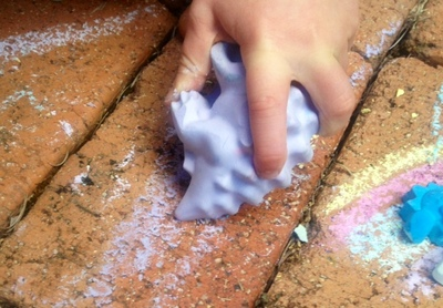 homemade chalk, how to make sidewalk chalk, sidewalk chalk, DIY sidewalk chalk, chalk dinosaur, how to mold chalk at home