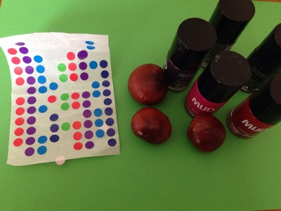 Conked craft, autumn craft ideas, thinks to make with conkers, painting conkers with nail varnish, horse chestnut craft