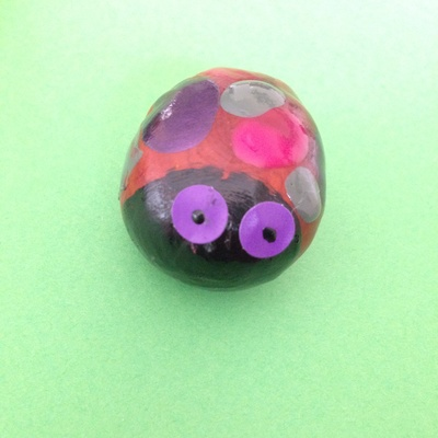 Conker craft, autumn craft ideas, thinks to make with conkers, painting conkers with nail varnish, horse chestnut craft