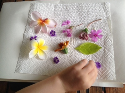 dried flowers laminated placemat kids craft mothers day
