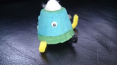 egg carton crafts, alien crafts, egg carton aliens, easy crafts for kids, recycled materials crafts