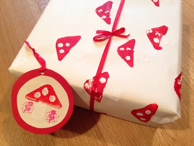 Fairy toadstool homemade wrapping paper, fairy toadstool potato print, kids potato print wrapping paper, fairy toadstool craft, fun wrapping ideas