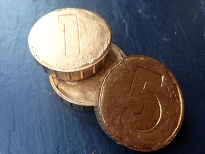 Homemade gold coins, DIY gold coins, DIY treasure, how to make pirate treasure