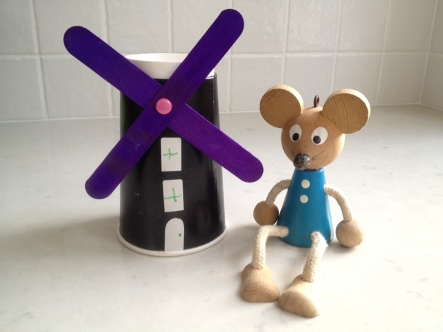 homemade windmill, windmill kids craft, how to make a windmill, windmill tutorial, windmill craft, windmill mouse amsterdam, little mouse with clogs windmill craft