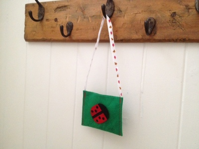 ladybird, ladybird bag, ladybird handbag, felt ladybird, felt bag, homemade handbag, homemade kids bag, ladybird felt bag, kids craft bag