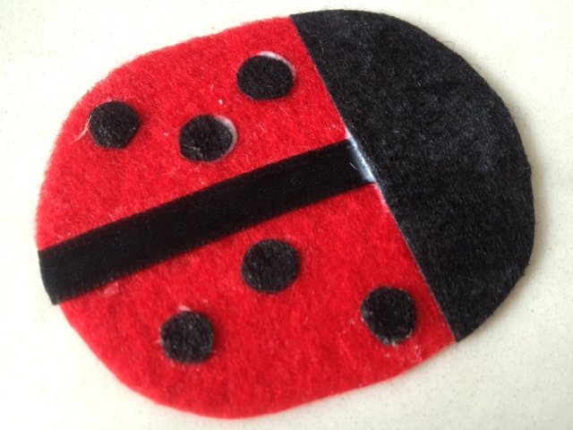 components to make ladybird, how to make a ladybird, how to make a ladybug, ladybird shape, ladybird template, ladybug shape, ladybug template, ladybird sewing template, ladybug sewing template, ladybird pattern, ladybug sewing pattern  - Felt Ladybird Bag