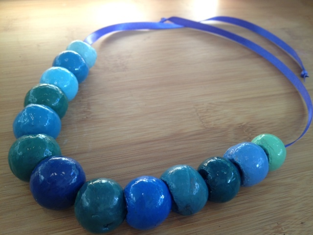 make your own macadamia nut shell painted bead necklace   - Macadamia Nut Shell Necklace
