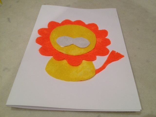 gluing lion face, making a card out of felt, felt greeting card, kids cards, kids birthday card