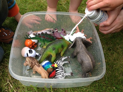 Messy play, preschool, dinosaur, fun, easy