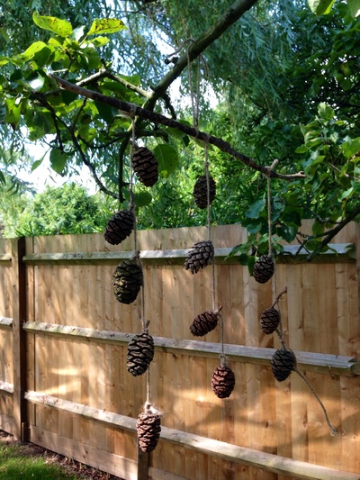 Pine cone craft, kids mobile, outdoor mobile, nature mobile, natural materials mobile, pine cone mobile