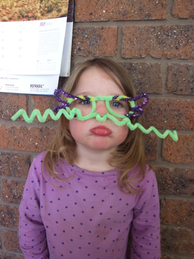 pipe cleaner, glasses