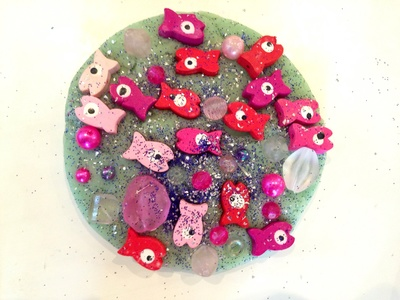 Play dough aquarium, beads in play dough, sea creatures in play dough, play doh aquarium