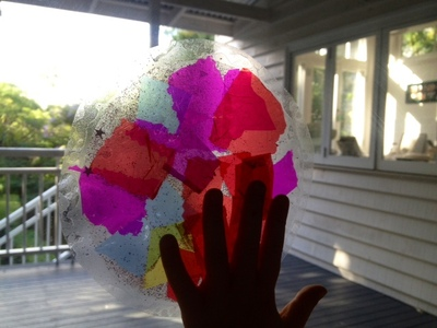 circle stained glass window, tissue paper suncatcher, kids craft activity