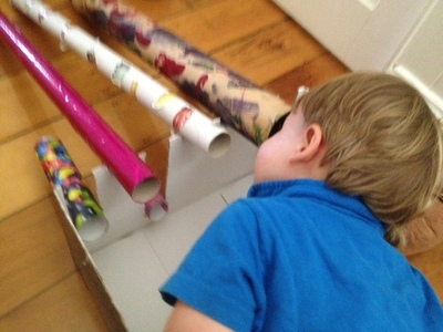 toddler painting cardboard tube, toddler craft, toddler painting, toddler craft ideas