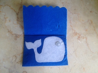 whale purse buttoned, button purse, easy kids sew project, felt craft, learning to sew buttons, sewing ideas for kids