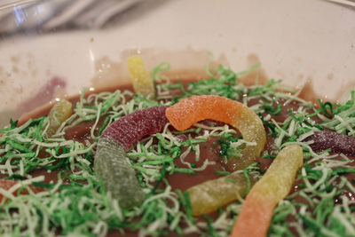 worms in mud, chocolate jelly, edible kids crafts, fun food